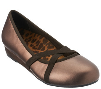 Vionic Orthotic Slip-on Mini Wedges - Dakota - A270386