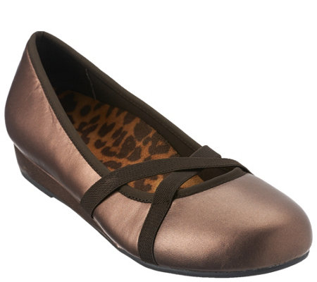 Vionic Orthotic Slip-on Mini Wedges - Dakota