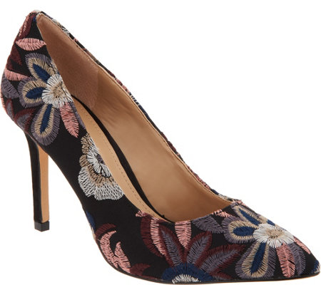 G.I.L.I. Pointed Toe Pumps - Novelty Jill