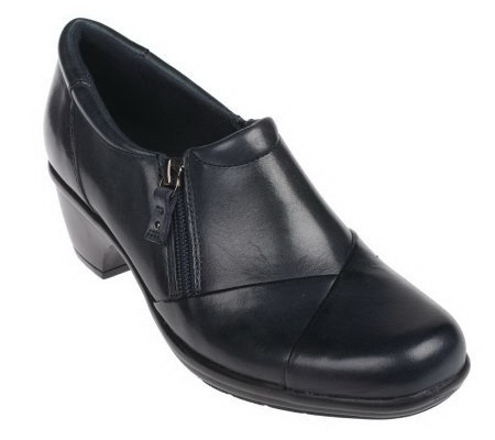 Clarks Bendables Wish Hope Leather Side Zip Shooties