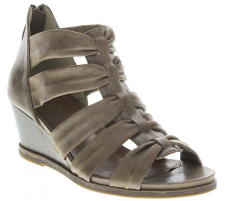 Spring Step Leather Wedge Sandals - Raziya