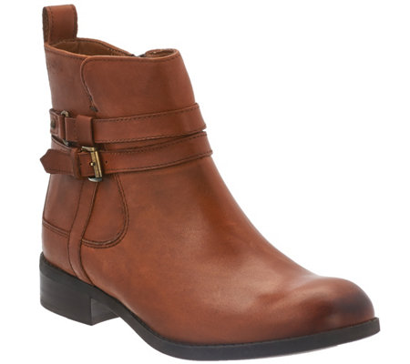 Clarks Artisan Leather Waterproof Ankle Boots - Pita Austin