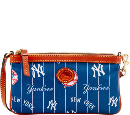 Dooney & Bourke MLB Nylon Yankees Large Slim Wristlet