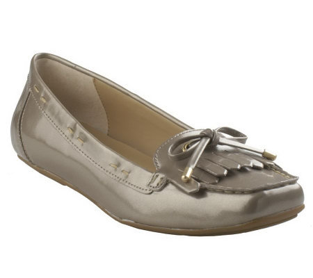 Isaac Mizrahi Live! Patent Moccasins w/ Bow Detail