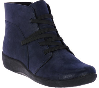 """As Is"" Clarks Cloud Steppers Gore Lace-up Boots - Sillian Jane - A290098"
