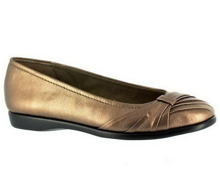 Easy Street Giddy Ballet Flats