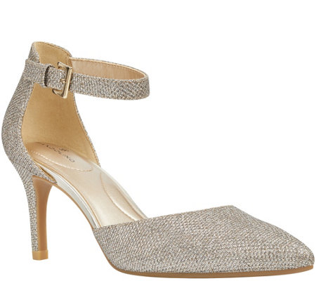 Bandolino Detailed Dress Pumps - Ginata