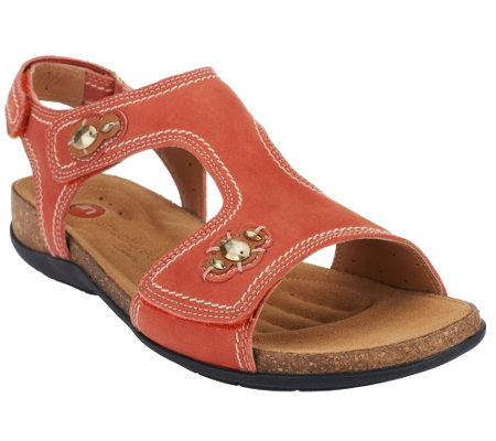 Clarks Unstructured Leather T-strap Sandals - Un.Courier