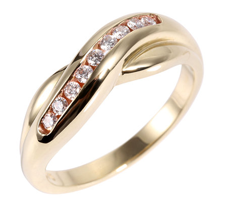 First Diamond 9 Brillanten zus.ca.0,15ct. Croise-Ring Gold 375