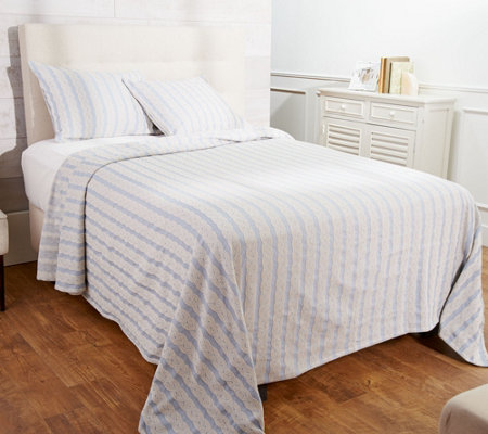 """As Is"" Cable Knit Jaquard Bedspread with Two Shams"