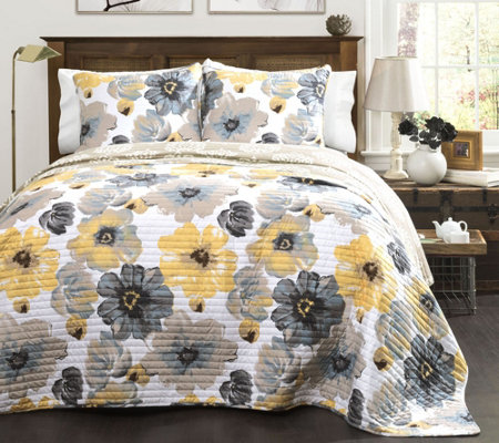 Leah 3-Piece Full/Queen Quilt Set by Lush Decor