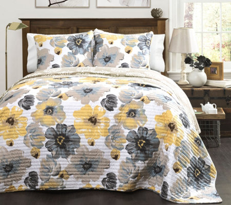 Leah 3-Piece King Quilt Set by Lush Decor