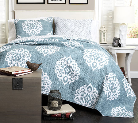Sophie 3-Piece Blue King Quilt Set by Lush Decor