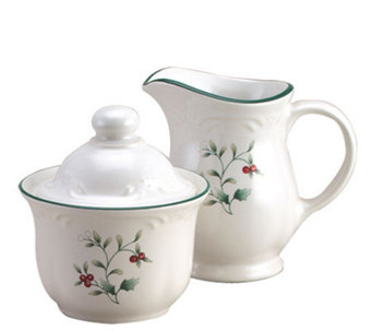 Pfaltzgraff Winterberry Sugar & Creamer Set - H184427
