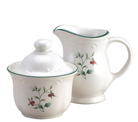 Pfaltzgraff Winterberry Sugar & Creamer Set