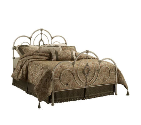 Hillsdale Furniture Victoria Queen Bed - Antiqued White Finish