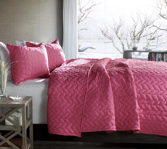 Avani 2-Piece Pink Twin Quilt Set by Lush Decor - H287437