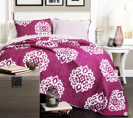 Sophie 3-Piece Fuchsia King Quilt Set by Lush Decor