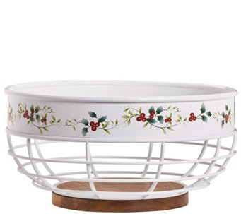 Pfaltzgraff Winterberry Bread Basket with WoodBottom - H289951