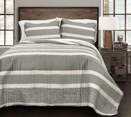 Geometric Stripe 3-Piece Full/Queen Quilt Set by Lush Decor