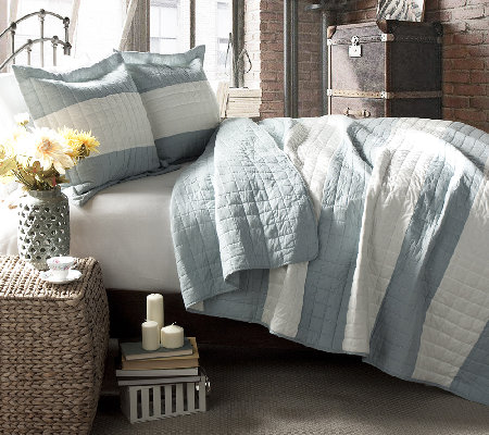 Berlin Stripe Blue 3-Piece King Quilt Set byLush Decor