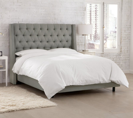 Skyline Furniture Tufted Linen Wingback Cal. King Headboard