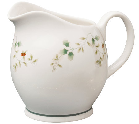 Pfaltzgraff Winterberry Gravy/Sauce Pitcher