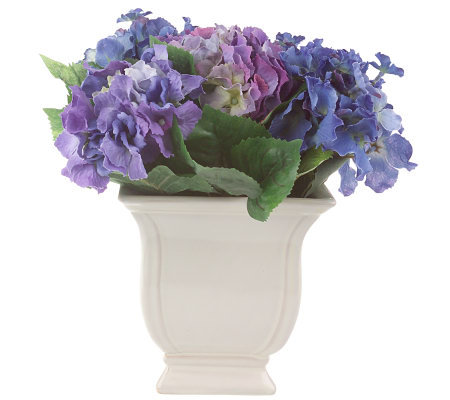 Manhattan Flower Works Hydrangea Arrangement in Ceramic Pot