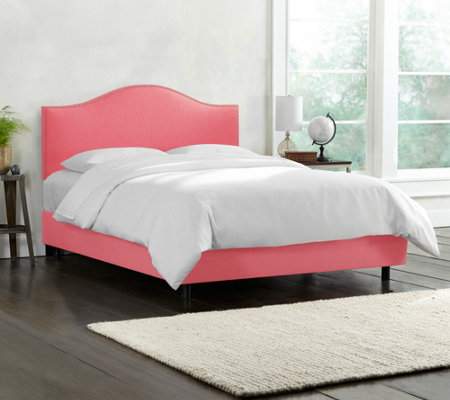 Skyline Furniture Linen Nail Button Queen Bed