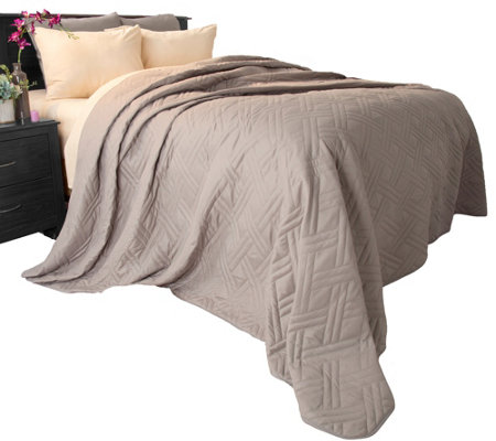 Lavish Home Solid Color King Quilted Blanket