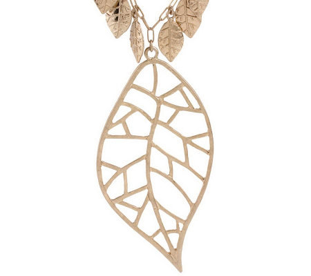Jessica Simpson Leaf Collection Necklace with Leaf Pendant