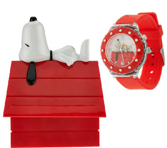 Peanuts Snoopy Light Up Watch in Collectible Dog House Box - J325862