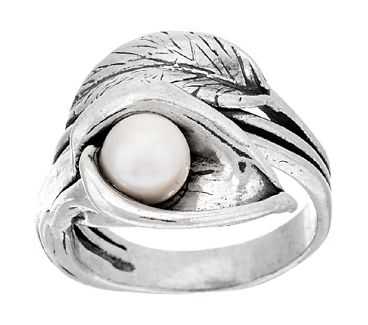 Lily ring Floral ring Cala ring Israeli Jewelry Unique pearl ring Pearl ring Engagement ring Pearl jewelry Sterling pearl ring Gift