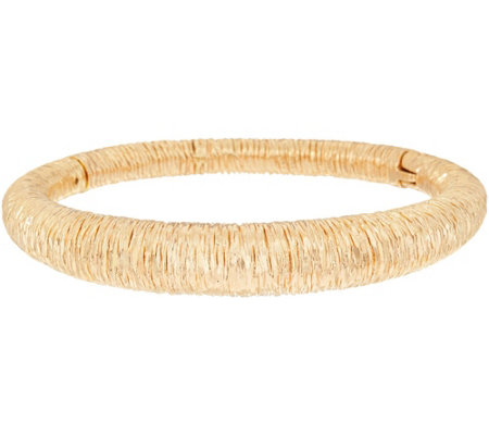 Arte d'Oro Small Textured Oval Bangle 18K Gold 19.3g