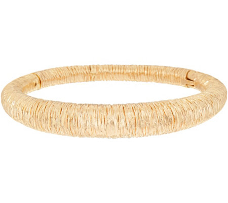 Arte d'Oro Average Textured Oval Bangle 18K Gold 20.4g