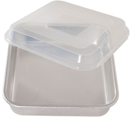"Nordic Ware 9"" x 9"" Square Cake Pan with Lid"
