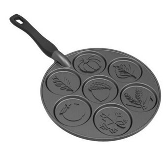 Nordic Ware Autumn Leaves Pancake Pan - K305143