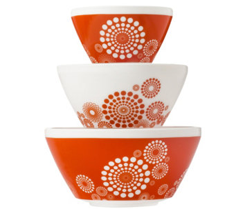 Pyrex Vintage Charm Tickled Pink 3-Piece MixingBowl Set - K305759