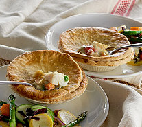 Country Chef (8) 9.5 oz. Chicken and Vegetable Pot Pies - M51072