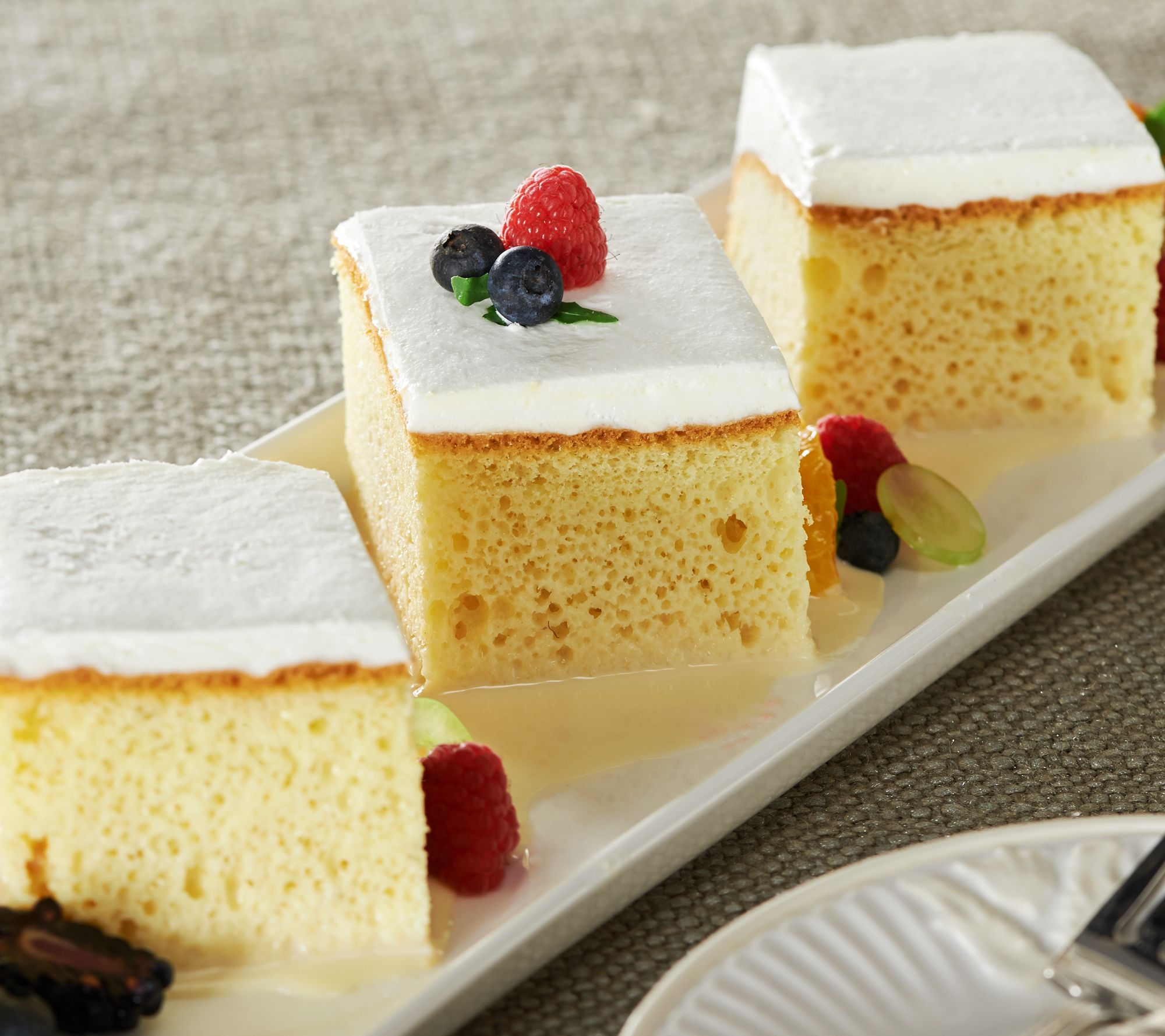 Sweet Sofia S Bakery 5 5 Lb Tres Leches Cake Page 1