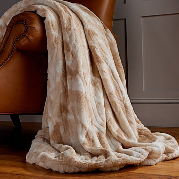 Cozy Linens — Snuggle up with throws, bedding & beyond