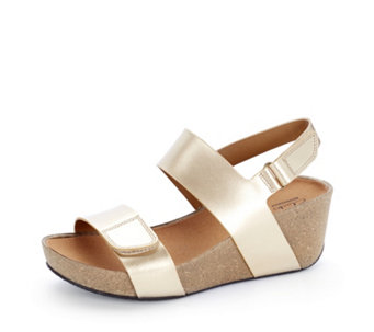Clarks Auriel Fin Adjustable Wedge Sandal - 158112