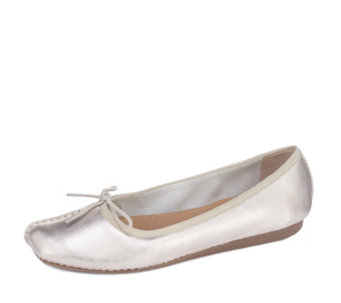 Clarks Freckle Ice Slip On Pump Standard Fit - 170920