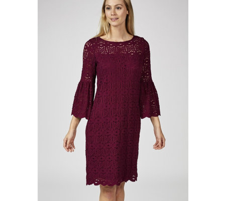 Ronni Nicole Bell Sleeve Medallion Lace Dress