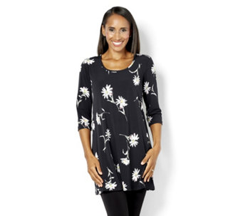Kim & Co Daisies Print Brazil Knit Space 3/4 Sleeve Tunic with Scoop Neck - 160342