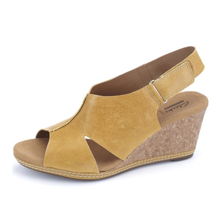 Clarks Helio Float Leather Wedge Sling Back Sandal Wide Fit