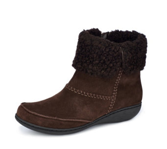 Clarks Fianna Joy Ankle Suede Boot with Cosy Cuff Wide Fit - 161073