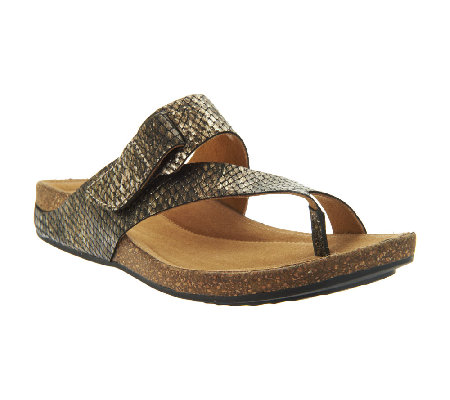 9a80c25a28662 Clarks Artisan Perri Coast Leather Thong Sandals - Page 1 — QVC.com