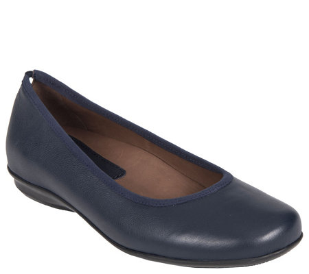 Earthies Leather Slip-On Flats - Ennis