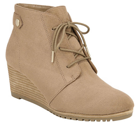 Dr. Scholl's Lace-Up Wedge Chukka Booties - Conquer
